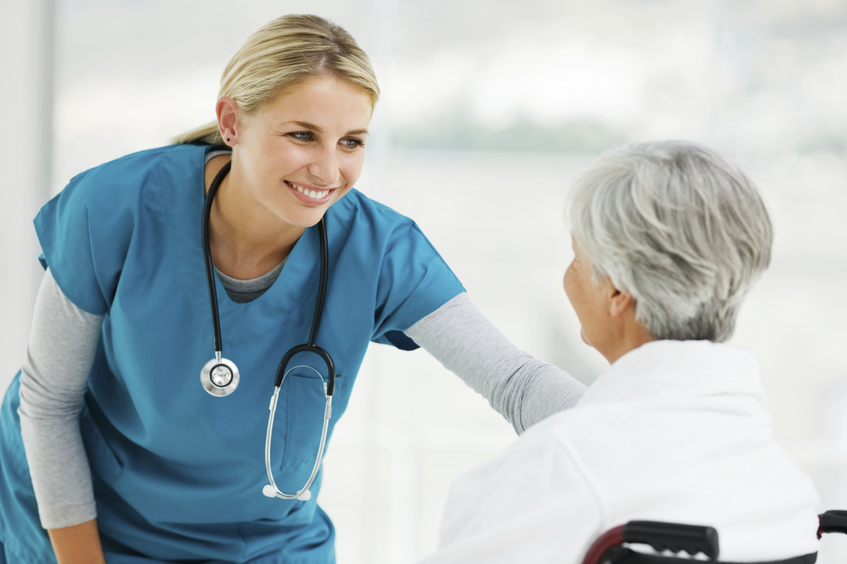 nurse and doctor relationship to the patient